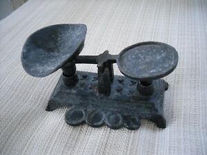 Vintage Small Miniature Cast Iron Balance Scale Salesman Sample Toy