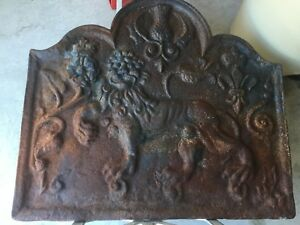 Antique English Cast Iron Fireback W Mythical Lion And Flower 44 30 X 27 A5
