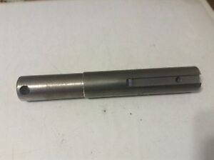 1d1024 A New Shaft For A Farmhand 815 825 Feedmaster With F81e Drop Feeder