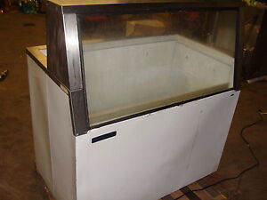 Master Bilt Lighted Low Boy Style Easy View Ice Cream Display Freezer