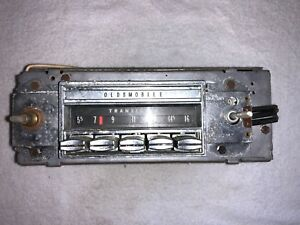 68 69 Oldsmobile Cutlass 442 Am Radio 7307303