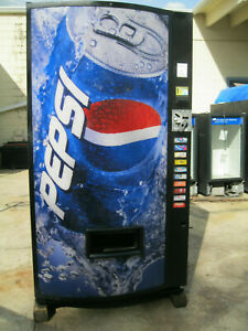 Vendo 621 Bottles cans Soda Vending Machine