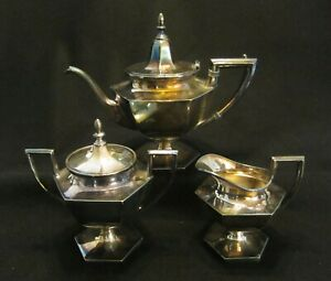 Three Piece Coffee Tea Set Silverplate Derby Silver Co Conn 2nd Qtr 20th C