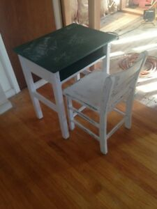 Vintage Solid Wooden Child Kids Desk With Chair
