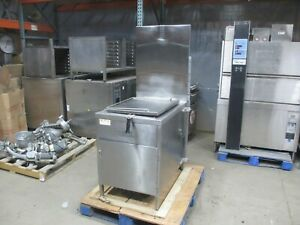 Luck s G1826 Gas Donut Fryer 1ph 65 80 Dozen hr 18 X 26 Hobart