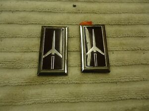 78 88 Cutlass Supreme 442 Calais Hurst Red Rocket Exterior Emblem 2 Pair