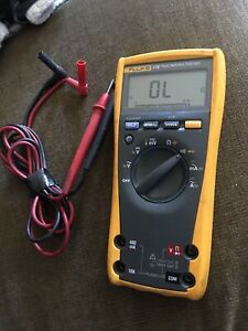 Very Nice Used Fluke 179 Digital True Rms Multimeter Free Shipping