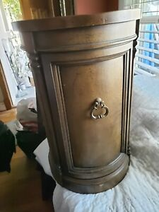 Vintage Brandt Hagerstown Md Wooden Ornate Round Top Parlor Entryway End Table