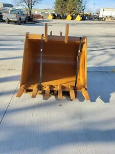 New 36 Backhoe Bucket For A Case 580n with Teeth Includes Coupler Pins