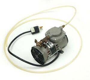 Thomas Model 107cab18tfel c Oil less Vacuum Pump 115v 60hz 1 5a Up To 22 0 In hg