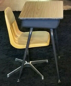 Retro School Youth Student Desk Chair