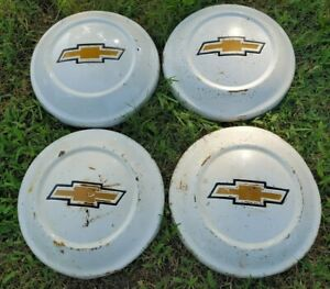 Vintage 1970s Set Of Chevrolet Luv Pickup Hub Caps 9 1 2 White With Gold Bowtie