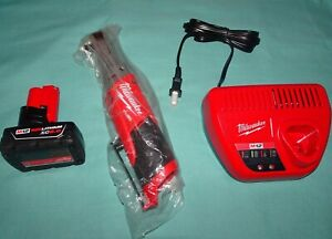 Milwaukee 2557 20 3 8 Ratchet 48 59 2401 Charger Xc 6 0 48 11 2460 Battery