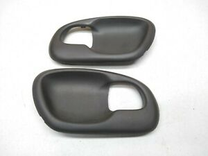 97 03 Ford Truck F150 Door Handle Cup Panel Insert Bezel Handle Trim S19