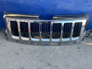 2011 2012 2013 Jeep Grand Cherokee Chrome Grille Assembly Oem 330190