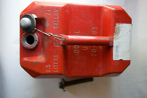 Vtg Blitz Usmc 2 5 Gal 9 5 L Red Metal Fuel Gas Can Dot 5l 20 2 1 2 84 W Spout