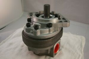 Ford Tractor Webster Design D8nn600aa Hydraulic Gear Pump
