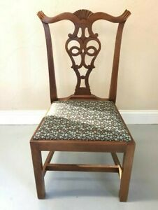 Set Of 2 Chippendale Chairs From Eldred Wheeler 4 Chairs Available