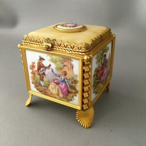 Vtg Limoges Fragonard Lovers Cameo Porcelain Gold Brass Jewelry Trinket Box