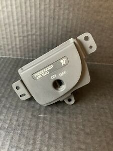 Oem Passenger Disable Switch 2003 Dodge Ram 1500 Dash Mntd 03 Ram 1500 Pre Owned