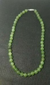 Vintage Green Jade Beads Necklace 16