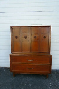 Mid Century Modern Tall Chest Of Drawers By Kroehler 9853