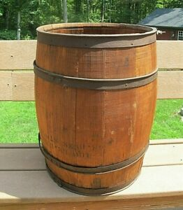 Vintage Metal Banded Wooden Nail Keg Barrel 22 X15 Rustic Country Home Decor