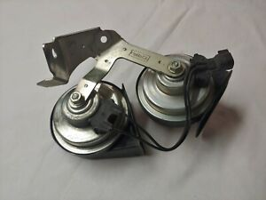Ford Horn Set Double W Mounting Bracket A046495