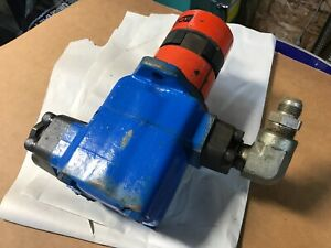 Vickers Vane Pump W Fittings 25v 12a 1a20 282 Fast Shipping