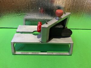 Lincoln Redco Instaslice 46804 With 1 4 Scalloped Cut Tomato Slicer Blade