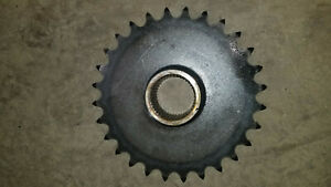 Bobcat 843 853 863 873 883 s220 s250 s300 Drive Sprocket 6568918