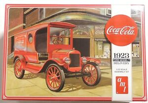 ESAR0934. COCA-COLA 1923 Ford MODEL-T DELIVERY 1/25 Scale Model Kit by AMT