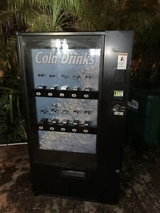 Vendo 720 Drink Machine
