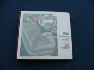1968 Oldsmobile Dealer Album Color And Fabric Selector Nice 442