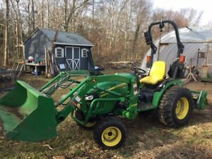 John Deere 2032 Tractor 2015 100 Hrs Brush Hog 48 tiller Bucket