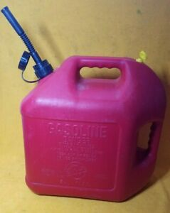 Clean Blitz 5 Gallon 50833 Red Plastic Gas Can With Spout Vent