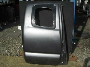 2016 2018 Toyota Tacoma Right Rear Door Extended Cab Oem 2017