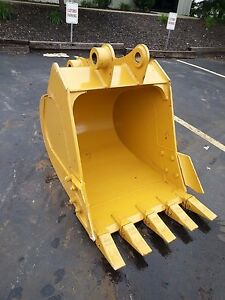 New 36 Excavator Bucket For A Caterpillar 312 With Coupler Pins