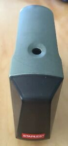Battery Operated Pencil Sharpener Staples Heavy duty Steel Blade Preowned