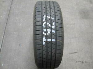 1 Michelin Defender Xt 215 60 16 215 60 16 215 60r16 Tire T927 7 8 32