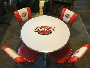"Retro Coca-Cola kitchenette... 36"" in diameter table + 4 chairs, great condition"