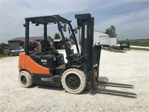 2012 Doosan Forklift 5000 Lb Gas And Lp Model G25p5 Only 1750 Hours Yale Clark