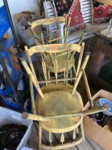 Wonderful Set Of Four Arrow Back Windsors In Original Old Yellow Paint Need Tlc