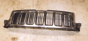 2011 12 13 Jeep Grand Cherokee Front Grille Chrome Genuine Oem W Warranty