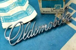 Nos 71 72 F 85 Oldsmobile Trunk Script Emblem Cutlass W 30 Post Car F85 Gm Trim