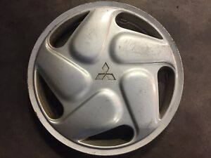 1 Used 16 Mitsubishi Eclipse Wheel Cover Hubcap Hollander 57533