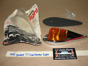 Nos Yankee 77 Streamlined Clearance Truck Cab Marker Light 2b77a Amber Lens