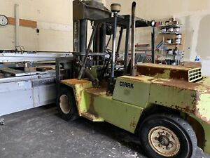 Clark Forklift With Pneumatic Tires Diesel 6 Cylinders Rough Terrain Forklift