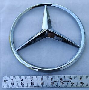 A1648170116 Mercedes benz Oem Genuine Grille Emblem Chrome Badge Ml Gl W164 New