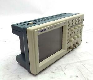 Tektronix Two Channel Digital Real Time Oscilloscope 100mhz 1gs s Tds 220